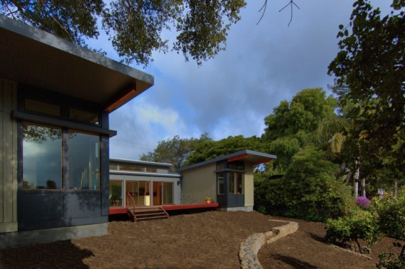 Santa Barbara prefab by Stillwater Dwellings
