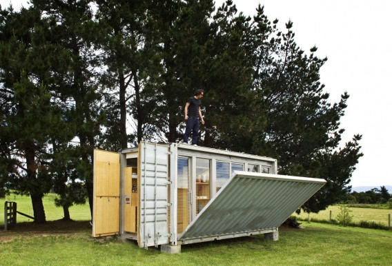 Port a Bach portable container home unfolding